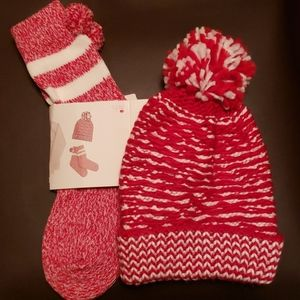 Winter socks and hat with pom